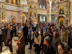 Митрополит Павел возглавил великое повечерие во Всехсвятском Храме-Памятнике