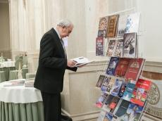 За круглым столом в Всехсвятском Храме-Памятнике решалась судьба книги