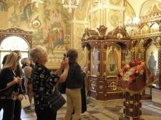 Космический конгресс. Жены космонавтов посетили Храм-Памятник