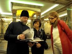 Храм-Памятник посетила олимпийская чемпионка по гимнастике и посол II Европейских игр Нелли Ким