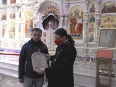 Жители Лоевщины передали икону Господа Вседержителя в память о битве за Днепр